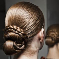 4 Lovely Wedding-Beauty Inspiration Pics You've Never Seen (or Pinned!) Before – Pearls and more 4 Lovely Wedding-Beauty Inspiration Pics You've Never Seen (or Pinned!) Before Gorgeous braided bun hairstyle from the Vionnet runway Braided Bun Hairstyles, Dance Hairstyles, Bride Hairstyles, Pretty Hairstyles, Braided Updo, Hairstyles Haircuts, Chignon Bun, Braid Buns, Messy Buns