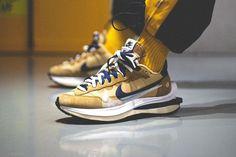 sacai x Nike Vaporwaffle 最新配色「Dark Iris」、「Sesame」發售日期曝光 | HYPEBEAST Air Max Sneakers, Sneakers Nike, Hypebeast, Nike Air Max, Footwear, Shoes, Fashion, Nike Tennis, Moda