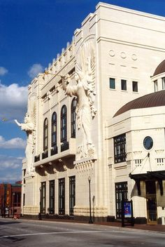From your new Fort Worth apartment from Milestone, come down to the Bass Hall to watch your favorite performances.