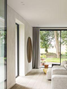 Contemporary Cabin, Contemporary Interior, Natural Oak Flooring, Minimal Home, Light Year, Interior Design Studio, Windows And Doors, Living Room Designs, Living Rooms