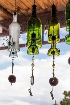 Participants will learn how to cut and smooth empty wine bottles, then string prepped bottles to create a melodic wind chime. Description from… - Crafting Today Wine Bottle Chimes, Empty Wine Bottles, Recycled Wine Bottles, Wine Bottle Corks, Glass Bottle Crafts, Diy Bottle, Glass Bottles, Wine Bottle Garden, Cut Bottles