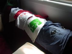 Amazingly easy and cheap... homemade t-shirts with freezer paper