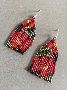 Pretty Poppy miyuki delica beaded earrings