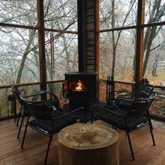 wood burning stove on the cabin screened porch (Outdoor Wood Tiny Cabins) Black And White Interior, White Interior Design, Interior And Exterior, Classic Interior, Interior Doors, Casa Hygge, Cabins In The Woods, Cabana, Architecture