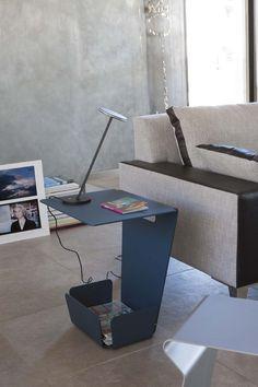 Porte revue BAGUIO, Matiere Grise. #bleucanard #mobilier #metal #aluminium #indoor #outdoor #design #sofa table #side table #magazine storage #matieregrise