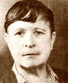 Amparo Poch  (15 de octubre de 1902, Zaragoza -15 de abril de 1968, Toulouse, Francia) fue médica, activista antifascista, libertaria, escritora y divulgadora española. http://es.wikipedia.org/wiki/Amparo_Poch_y_Gasc%C3%B3n