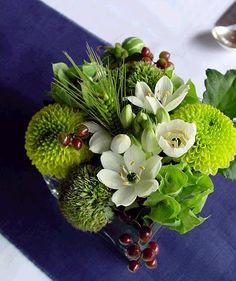 japanese wedding table - flower arrangement by la hortensia azul