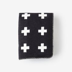 LARGE CROSS BLANKET / pia wallen