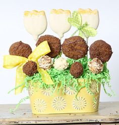 Christy's Gourmet Gifts, Burlington, ON   Tulip cookie arrangement, great for springtime centerpieces or a gift for lovers of gardening.   #cookie #cookiearrangement