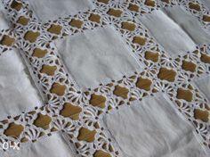 How to Crochet A Baby Hat: Newborn - Crochet Hood Crochet Bedspread, Crochet Fabric, Crochet Quilt, Crochet Tablecloth, Filet Crochet, Crochet Motif, Crochet Designs, Crochet Crafts, Crochet Doilies