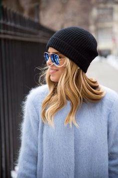 青のコート着こなしコーデ