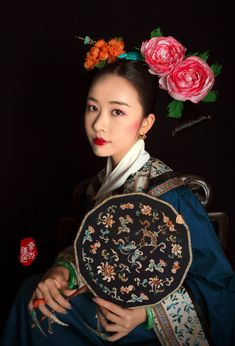 "changan-moon: "" Qing dynasty fashion by 叁木映画ForestStudio "" Chinese Style, Chinese Art, Chinese Painting, Chinese Garden, Traditional Fashion, Traditional Dresses, Geisha, Art Chinois, Hanfu"