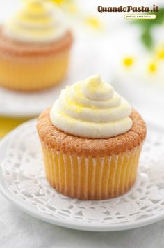 Honey-Lemon Cupcakes