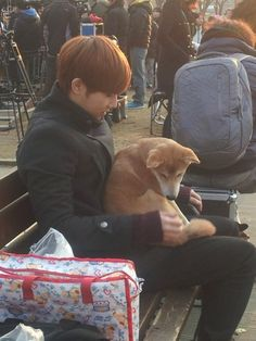 My two loves in one picture - Dogs and Kim Sunggyu, of course!!