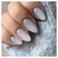Ongles en gel et dégradé gris/blanc + effet sucre 💅🏼 Sur Wambrechies (59)