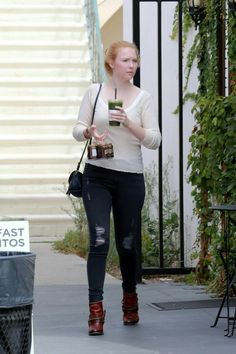 Molly Quinn - Out and About in Studio City - 13/09/17
