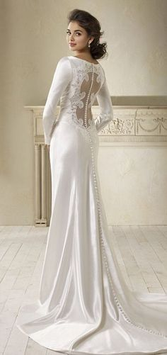 My dream wedding dress. I loved it in Breaking Dawn and I'd love it even more on me