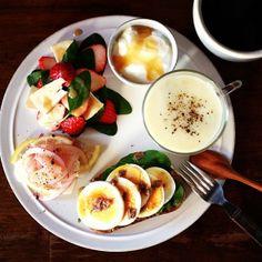 .@keiyamazaki   Today's breakfast. Naganegi onion and Potato soup…