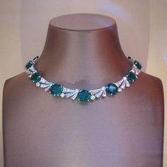 Bvlgari. Via Angelo De Luca (@angeloxdexluca) on Instagram: @bulgariofficial #emerald #necklace #bulgari #diamonds #colors #diamond