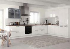 Kitchen idea-spacious