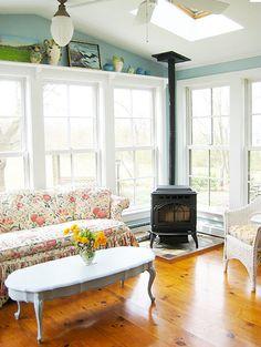 New Wood Burning Stove Decor Corner Ideas Corner Log Burner, Corner Wood Stove, Four Seasons Room, Three Season Room, Room Corner, Kitchen Corner, Kitchen Wood, Fire Pit Furniture, Modern Furniture