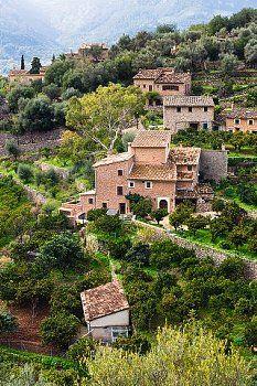 Fornalutx, localizada na província e Comunidade Autônoma das Ilhas Baleares, ilha de Maiorca, Espanha.