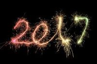 """Nowy rok, nowe plany i nowe postanowienia. Tylko czy aby na pewno???. Niestety w 90% skończy się tylko na życzeniach, które w praktyce składamy sobie wyłącznie """"dla zasady"""". Mimo, że 1 stycznia jest datą która mogłaby rozpocząć pewien nowy etap, to tak na prawdę pozostanie jedynie kartką w kalendarzu i nic ponadto. A ludzie w gruncie rzeczy nawet nie myślą o celach i zmianach. W 2017 też będą żyć z dnia na dzień."""