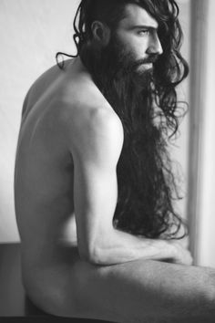 Not a fan of long beards - this one's sorta special. Or maybe it's just the beauty of the photo. Sasha Marini with a beard weave. Moustaches, Hair And Beard Styles, Long Hair Styles, Long Hair Beard, Make Love, Epic Beard, Long Beards, Beard Lover, Awesome Beards