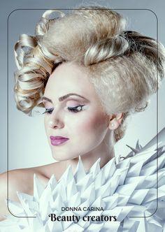 Idei de coafuri si machiaj pentru evenimente speciale.  #beautycreators #donnacarina #masquerade #carnaval Crown, Fashion, Carnival, Moda, Corona, Fashion Styles, Fashion Illustrations, Crowns, Crown Royal Bags