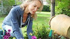 Ako účinne zatočiť s burinou v záhrade? Zmiešajte 3 domáce suroviny a tá pliaga…