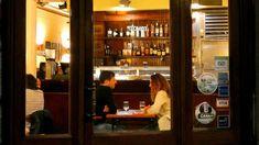 Escápate al pueblo sin salir de Barcelona en Semana Santa Liquor Cabinet, Barcelona, Home Decor, Dill Dip, Keg Table, Cheese Platters, Wine Boxes, Wine Rack, Decoration Home