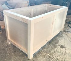 Free building plans to make your own DIY storage chest that is the perfect size for an entryway storage bench, end of the bed trunk or a toy box for kids! Diy Storage Trunk, Entryway Bench Storage, Wooden Storage Boxes, Diy Bench, Outdoor Storage, Storage Chest, Deck Storage Box, Garage Storage, Ottoman Storage