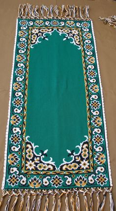 Vintage Emerald Green Table Runner by VintageHomeStories on Etsy