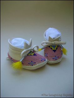 Hey, I found this really awesome Etsy listing at https://www.etsy.com/listing/244763315/native-american-style-beaded-baby