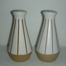 DENBY STONEWARE BOURNE GOURMET SALT & PEPPER SHAKERS MADE IN ENGLAND 4 1/2''