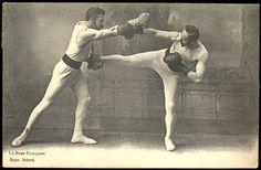 La savate Les premières traces écrites de savate apparaissent au début du xixe siècle (alors que l'existence de la boxe anglaise est documentée depuis le début du xviiie siècle). Selon Jean-François...