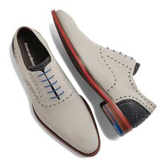 Advice When Shopping For The Designer Shoes. If you are a picky person who is totally consumed by the wide variety of remarkable designs of the designer shoes, then you are not alone. Hot Shoes, Men's Shoes, Shoe Boots, Dress Shoes, Shoes Men, Dress Clothes, Formal Shoes, Casual Shoes, Mens Shoes With Shorts