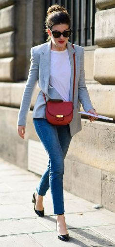 CHIC WORK OUTFIT WITH A GREY BLAZER