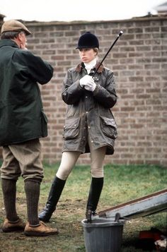 Princess Anne Is Actually The Most Fashion-Forward Member Of The Royal Family Princess Anne, Princess Margaret, Tudor Style, My Style, Classic Style, Meghan Markle, British Country Style, Prince Charles And Diana, Barbour Jacket