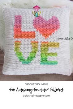 Crochet an awesome summer pillow for your porch, patio, or bedroom with these six free crochet patterns!  • A Plush Pineapple  #crochet   #crochetprojects  #crochetpatterns  #crochetcrafts  #crochetpatternsfree  #crochetpatternsforbeginners  #freecrochetpatterns  #howtocrochet  #crochetpillow  #crochetpillowpattern  #summercrochet Crochet Home, Crochet Gifts, Free Crochet, Crochet Pillow Cases, Crochet Pillow Pattern, Pineapple Crochet, Modern Interiors, Crochet Afghans, Crochet Patterns For Beginners