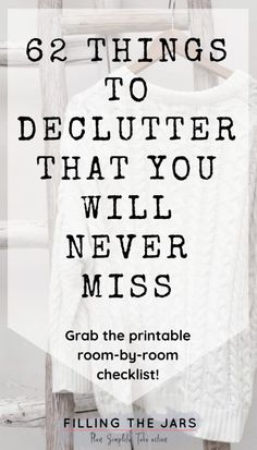 Im so glad I found this printable decluttering checklist! If you don't know what to declutter first, you need this list! Breaking down decluttering room-by-room is genius -- and I cant believe it, but I really dont miss all the junk that used to clutte Spring Cleaning Checklist, Deep Cleaning Tips, House Cleaning Tips, Cleaning Hacks, Diy Hacks, Moving Checklist, Cleaning Closet, Cleaning Products, Grand Menage