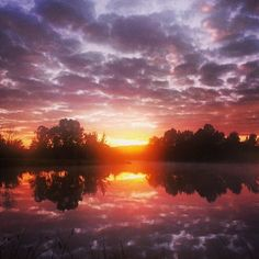 This sensational sunrise was captured by Instagrammer eilleene4 at Lake Tuggeranong!