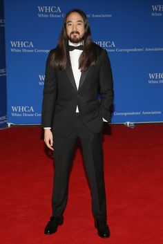 Let's see what the all-star guests wore to President Obama's final White House Correspondent's dinner. Dj Steve Aoki, White House Correspondents Dinner, Elle Magazine, Red Carpet Fashion, Formal Wear, Obama, All Star, Presidents, Celebrity Style