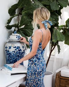 Cydney Morris is not only the founder of Stone Cold Fox, but also has a keen eye for interior design. Take a look inside Cydney Morris's home. Blue And White Summer Dresses, Blue Dresses, Blue Outfits, Ladies Dresses, Women's Dresses, Johann Wolfgang Von Goethe, Stone Cold Fox, Blue And White China, Luxury Dress