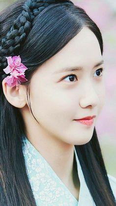 << Yoona ❤ >>