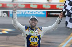 Reactions pour in after Elliott earns first career title | Hendrick Motorsports Nascar Racing, Racing Team, Chase Elliott, Career, Sports, Hs Sports, Carrera, Excercise, Sport