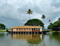 Best time to visit Vembanad Lake Kerala