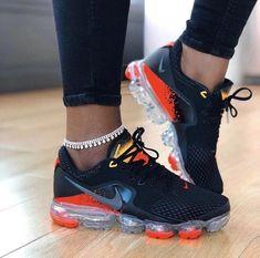 Nike's Best Seller Air VaporMax Flyknit 2's   #1stInHealth #WomensShoes #FitnessFashion #WomensFashion Cute Sneakers, Cute Sneaker Outfits, Sneakers Nike, Sporty Outfits, Cute Shoes, Me Too Shoes, Addidas Shoes Running, Running Shoes, Puma Shoes Women