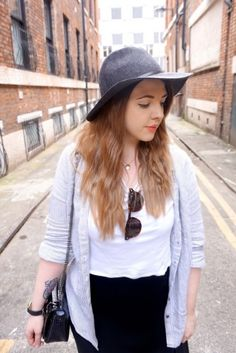 Blogger Beki from Smock to Frock with our Staten Black Croc.