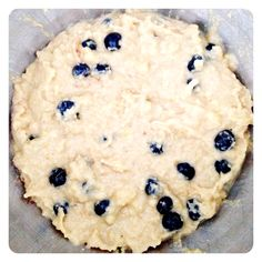 Paleo Blueberry Banana Bread - The Little Green Spoon Breakfast Bars, Paleo Breakfast, Breakfast Ideas, Healthy Baking, Healthy Treats, Healthy Foods, Paleo Recipes, Cooking Recipes, Blueberry Banana Bread